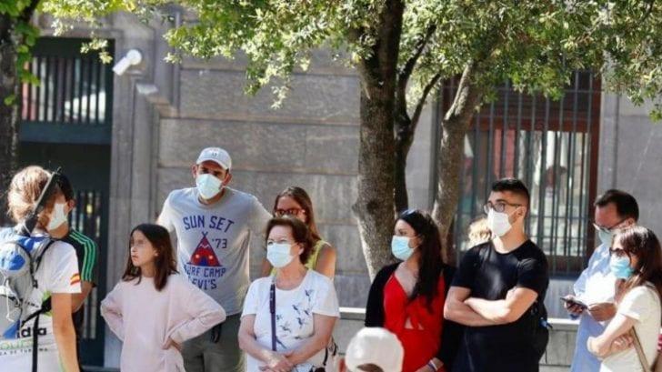 Estados Unidos autoriza que los vacunados contra el covid-19 puedan reunirse sin mascarillas