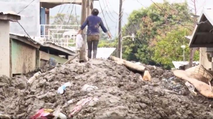 A más de 3 meses de Eta y Iota, toneladas de lodo siguen inundando las calles de Chamelecón