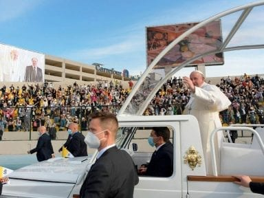 Irán calificó la visita del papa a Irak como 'buena y constructiva'