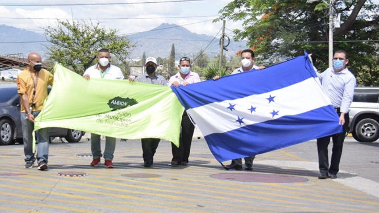 Los ediles hondureños se reunieron el martes (11.5.2021) con el ministro de Salud de El Salvador, Francisco Alabí, y otras autoridades salvadoreñas