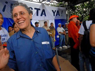Policía de Nicaragua arresta a seis disidentes sandinistas, incluido a dos exguerrilleros