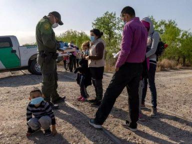 Arrestos de migrantes en la frontera de Estados Unidos alcanzaron nuevo récord histórico en mayo, según la CBP