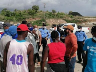 Detienen en Honduras a 23 migrantes que iban a Estados Unidos junto a dos traficantes de personas