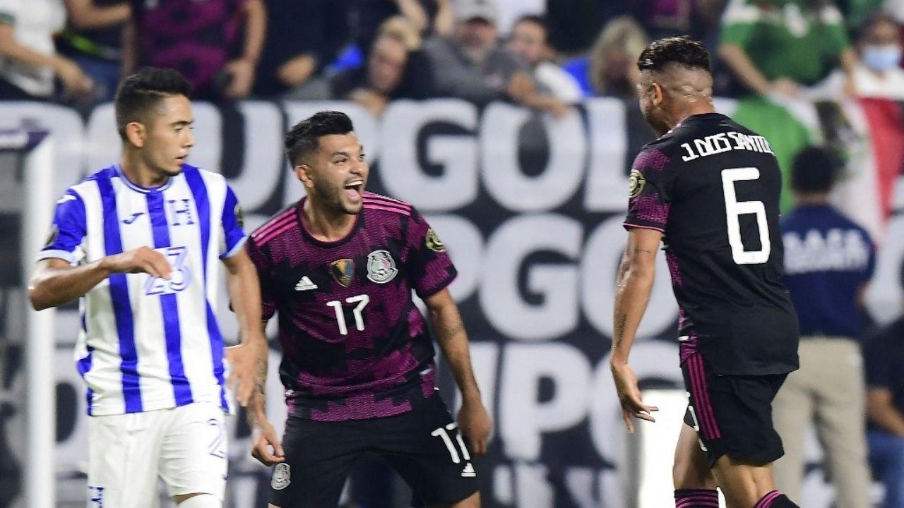 El primer tiempo bastó para que la selección mexicana se quedara con el encuentro, anotando un contundente 3-0