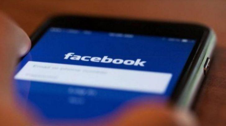 ¿Cómo agregar o eliminar una dirección de correo electrónico en una cuenta de Facebook?