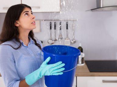 ¿Cómo evitar las filtraciones de agua en paredes y techo de tu casa? ¡Toma nota!