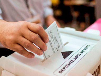 'Lo peor que puede darse en un proceso electoral es que no se dé información', señaló exmagistrado de TSE