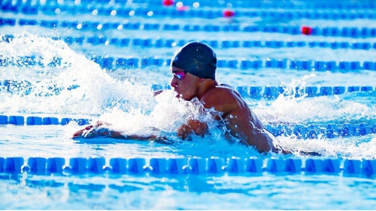 El hondureño volverá a competir el martes en la primera eliminatoria de 200 metros pecho