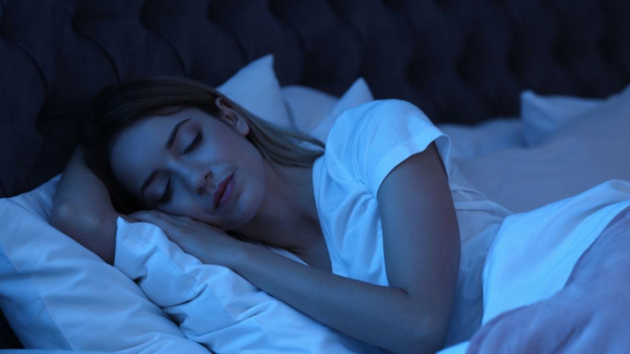 Tomar al menos un descanso en el día ayuda al bienestar general, pero dormir es lo indicado Mira cuánto debes dormir, de acuerdo a tu edad