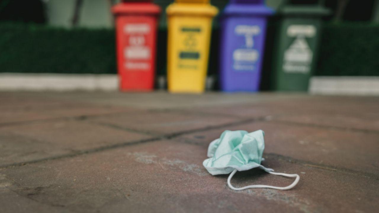 Se debe prever una masiva contaminación con el desecho adecuado de las mascarilllas
