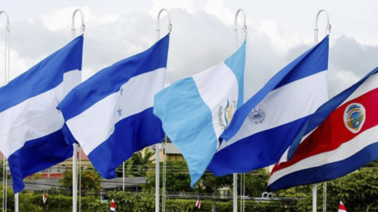 """""""En la integración centroamericana tenemos que tener normativa aprobada para conseguir el bien común"""", dijo el magistrado de la Corte Centroamericana de Justicia, César Salazar"""