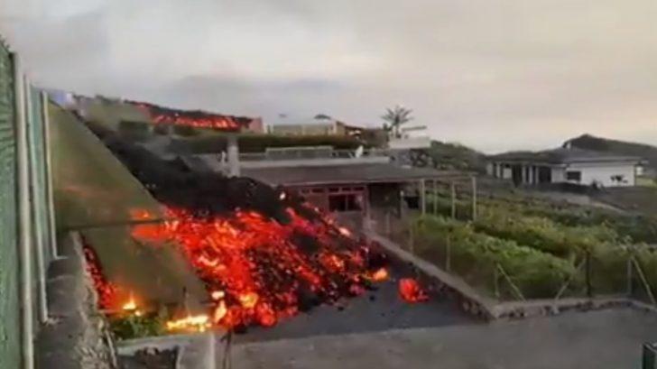Impactantes vídeos muestran cómo lava de volcán destruye casas en La Palma, España