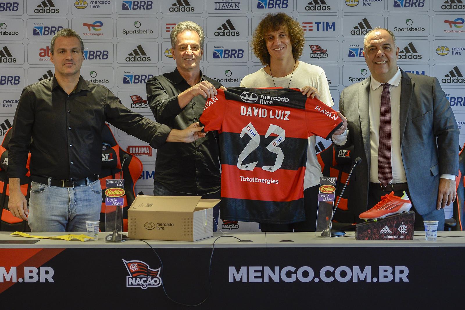 David Luiz, de 34 años, llega al Flamengo, último campeón de la Liga brasileña, después de una extensa trayectoria en el fútbol europeo
