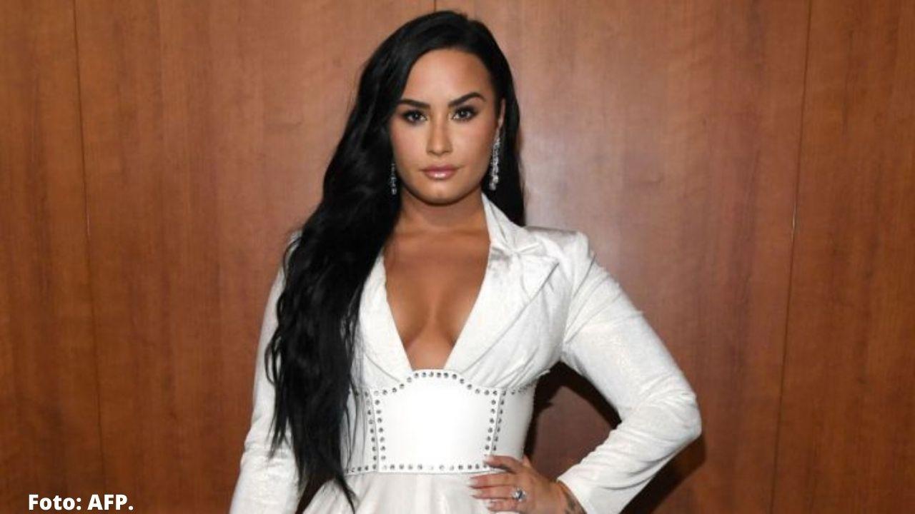 Lovato inició una nueva aventura con el objetivo de contactarse con los ovnis que asegura haber visto, así va su proyecto
