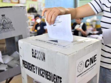 A 69 días de las elecciones quienes ganan son los indecisos, según analista político