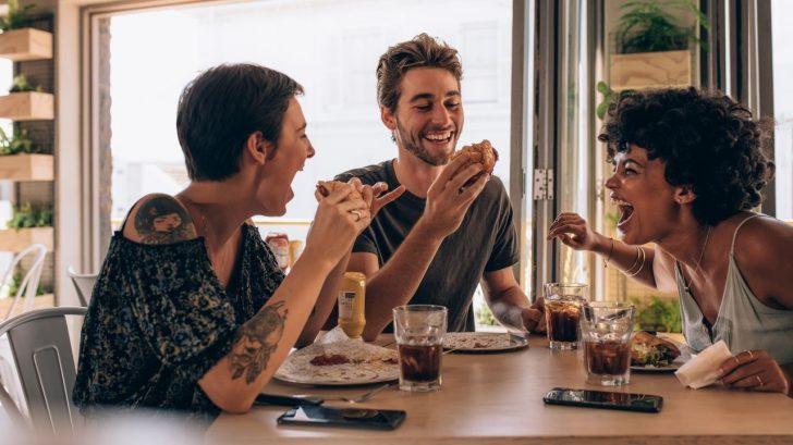 5 ocasiones para comer alitas que solo entenderás si eres épico.