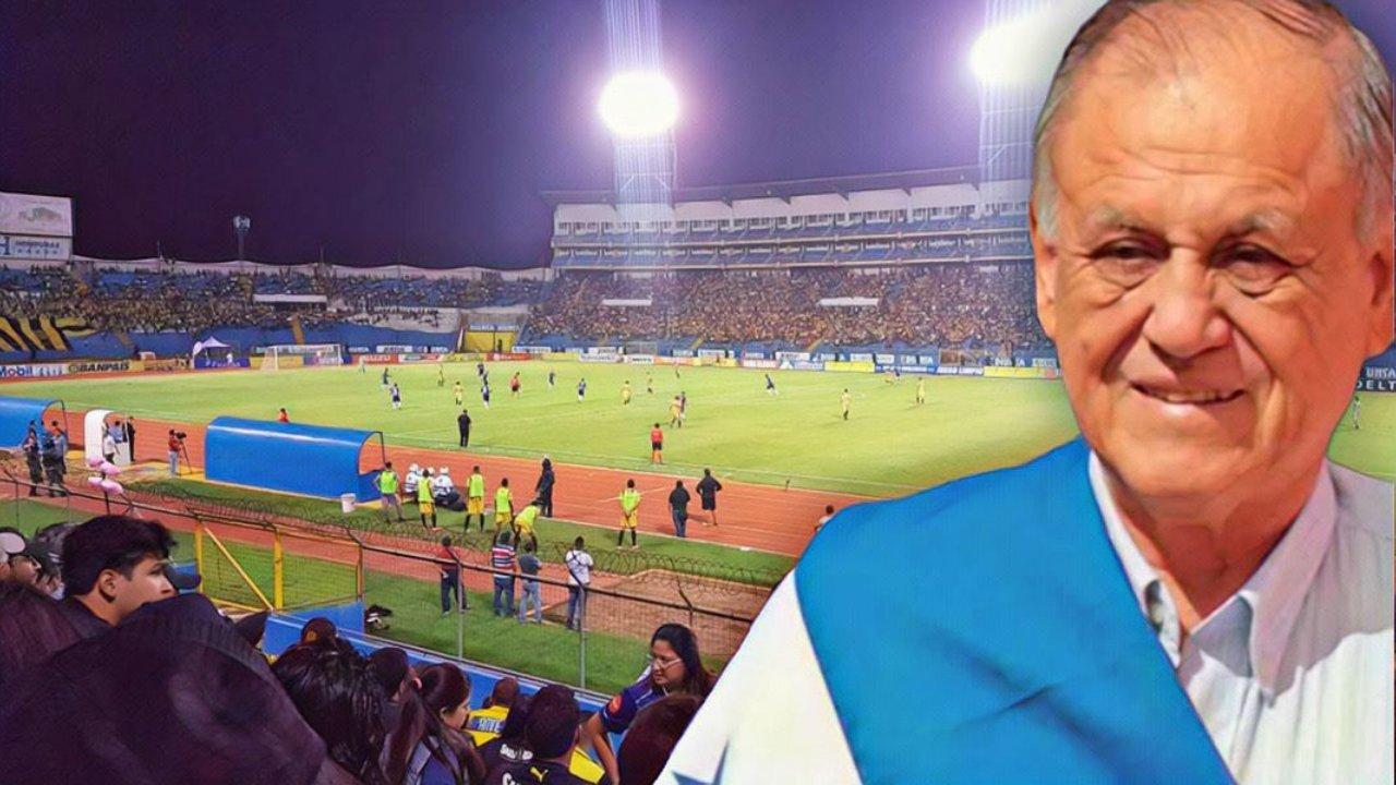 ¡Aquí el clip en honor al exentrenador de la H previo al partido de Honduras contra Estados Unidos!