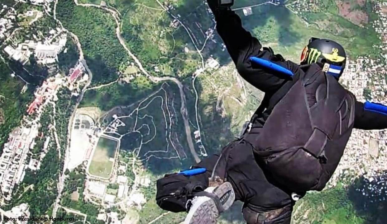 Esta es la preparación que tuvieron los paracaidistas hondureños que participaron en el espectáculo aéreo del Bicentenario de Independencia