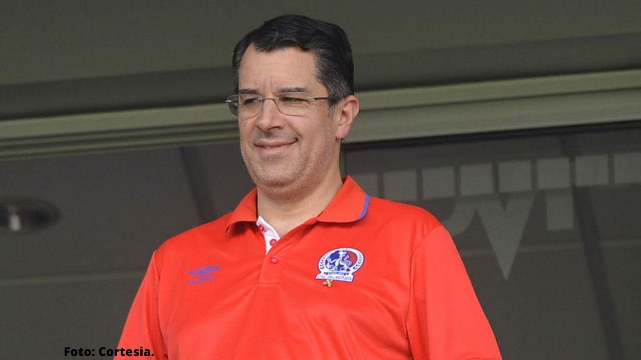 El presidente del club Olimpia, Rafael Villeda, expresó que todos los hondureños se deber unir para apoyar a la selección de Honduras, aquí sus palabras