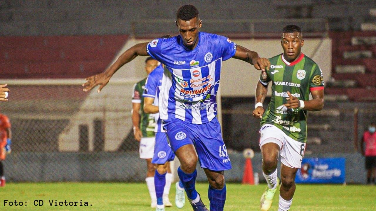 Un gol de Óscar Suazo acabó con el calvario del Jaibo. Otro Victoria jugó con el orden Salomón Názar