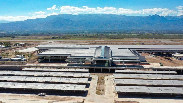 Sin estar al 100 % de su construcción inauguran aeropuerto internacional Palmerola