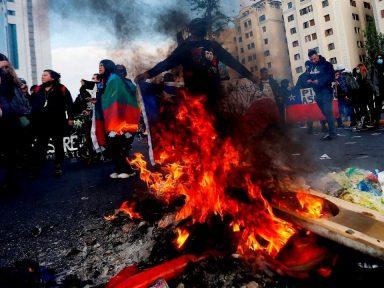 Manifestantes en Chile piden la renuncia de Piñera por papeles de Pandora
