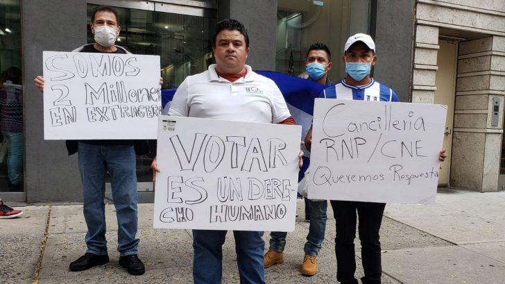 RNP y Cancillería no dan respuesta a hondureños que no recibieron su DNI en los Estados Unidos