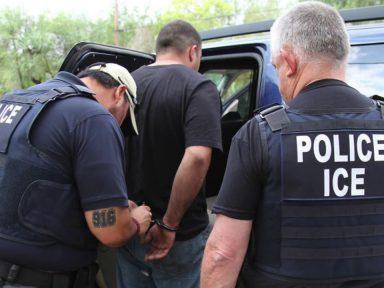 Gobierno de Estados Unidos suspende redadas de migrantes en lugares de trabajo