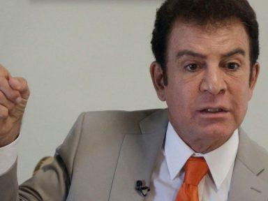 Salvador Nasralla presentó renuncia a su candidatura presidencial de la UNOH