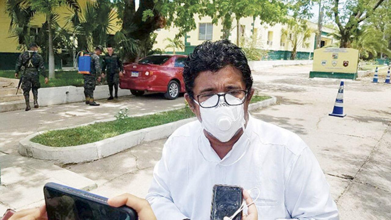 """Quintín Soriano dice que """"Cifras que presentan en las cadenas no son ciertas"""" y ofrece una solución ante contagios masivos"""