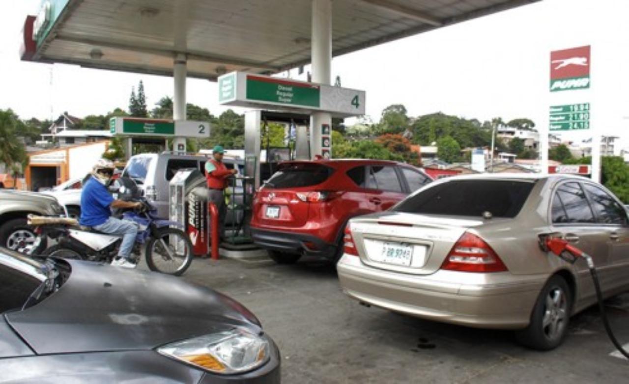 Honduras registra nueva alza en precio de los combustibles, pese a que el crudo se mantiene a nivel internacional, lamenta Adalid Irías