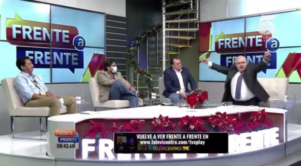 Diputado Óscar Nájera se arrodilla en Frente a Frente, acepta amistad con Los Cachiros, pero niega vínculos con narcotráfico