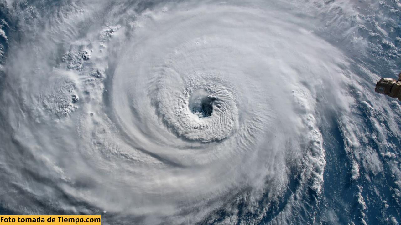 Dos posibles huracanes se formen en noviembre en las costas de Nicaragua ¿Afectará a Honduras?