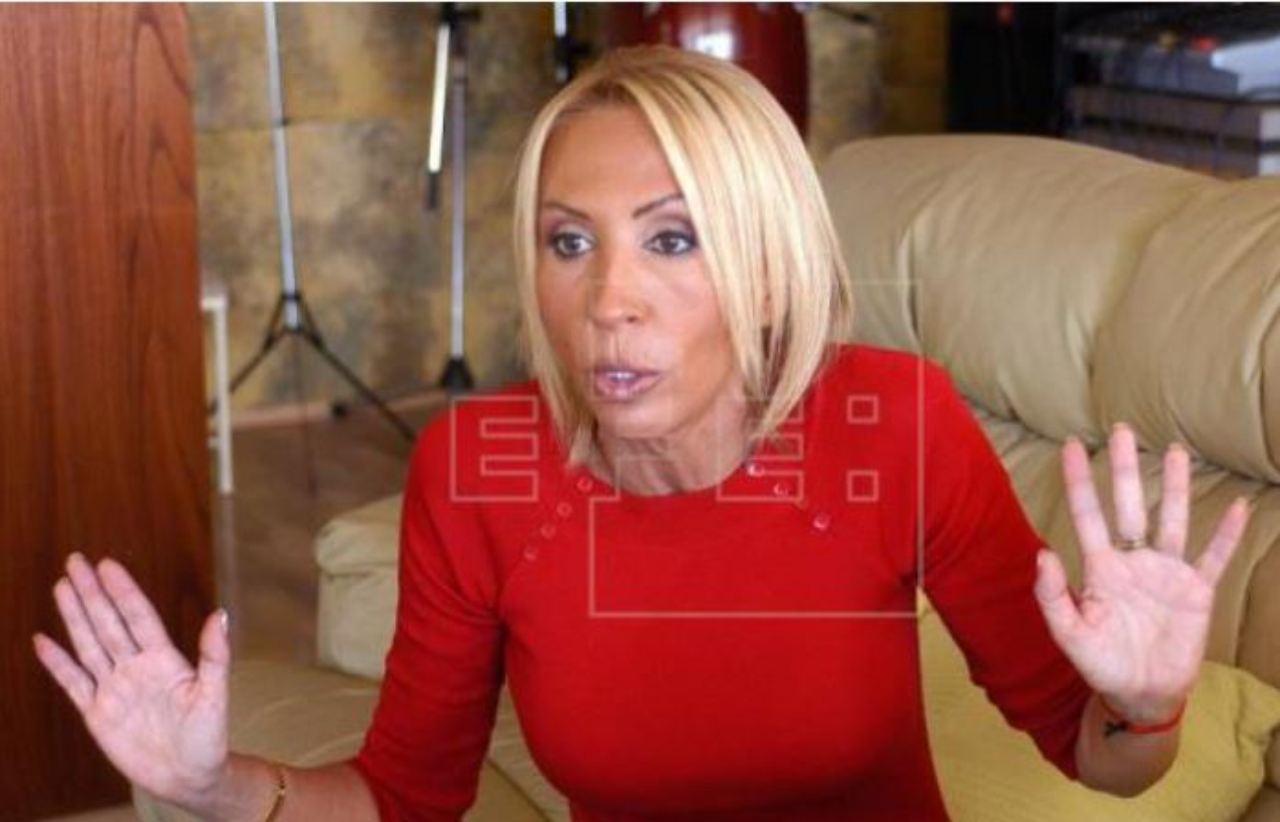Laura Bozzo logra que juez suspenda aprehensión  en su contra