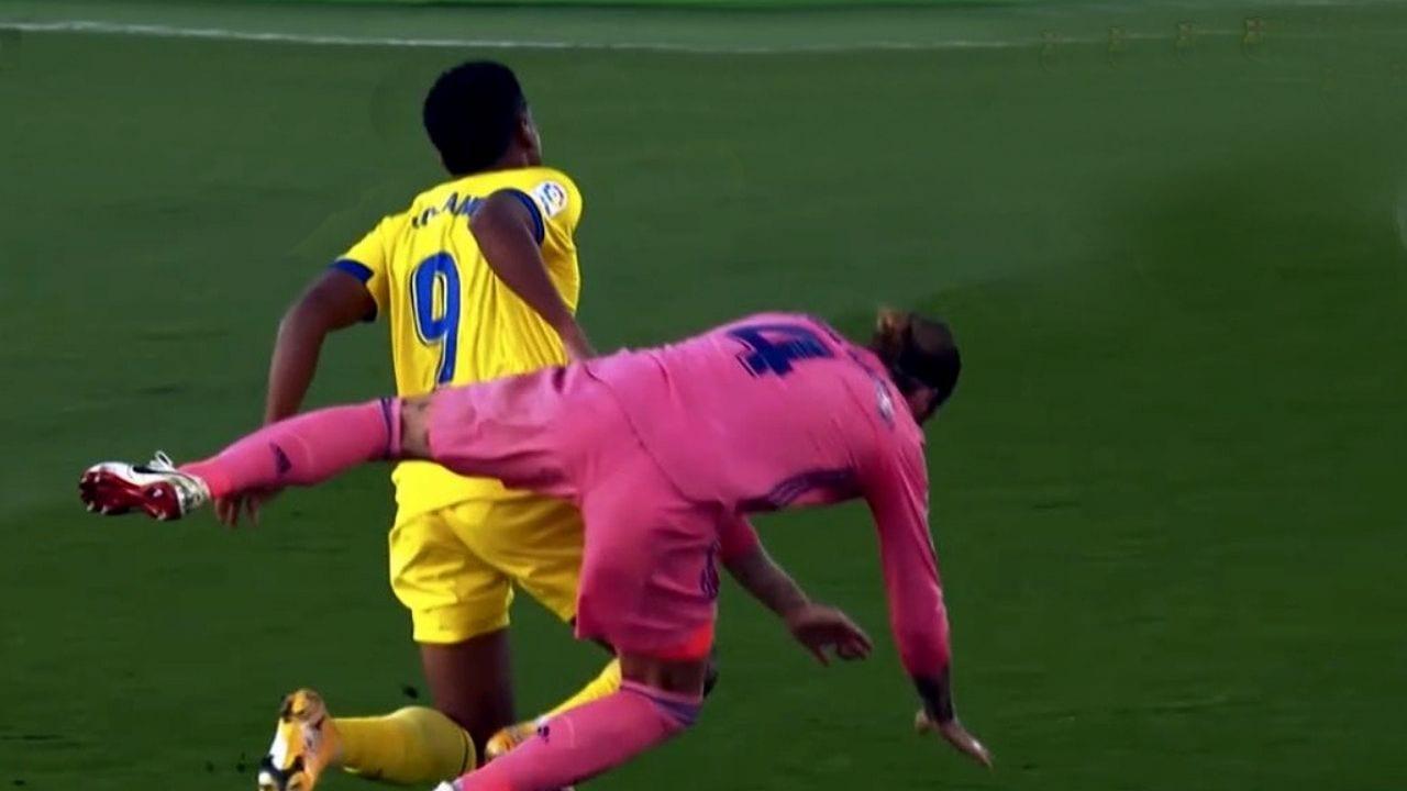 Falta de Sergio Ramos sobre Choco Lozano dejaría sin clásico al defensor español