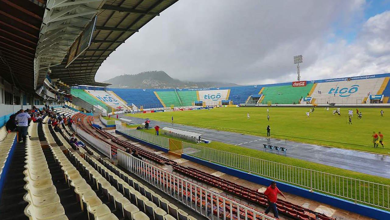 ¿Cuántos aficionados podrán ingresar a cada estadio si Sinager da vía libre a solicitud de la Liga Nacional?