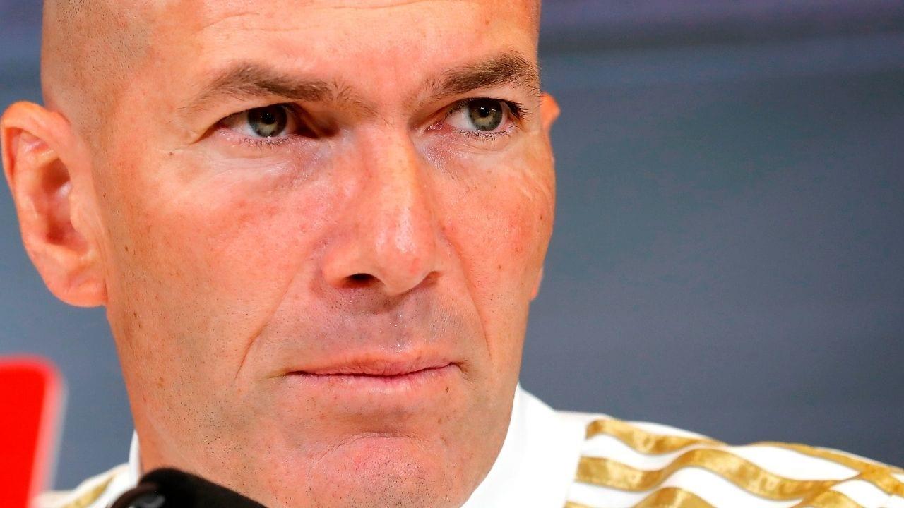 Zidane afirma que 'molesta' que se cuestionen los arbitrajes al Real Madrid