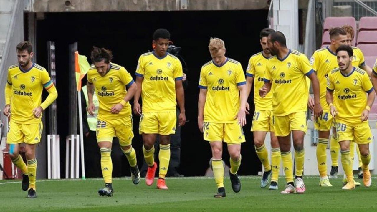 Choco Lozano protagonista en la jugada con la que el Cádiz empataría al Barcelona