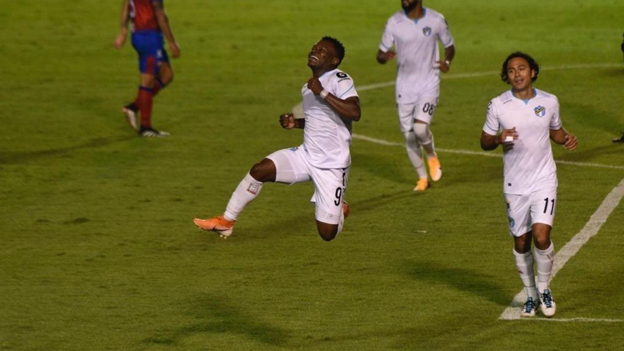 Júnior Lacayo anotó en triunfo del Comunicaciones sobre el Xelajú