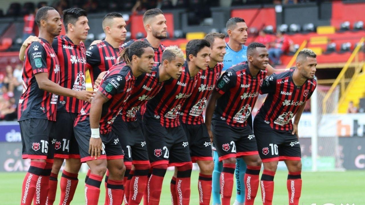 Alex López con Alajuelense podrían perderse el partido por la Liga de Campeones de Concacaf