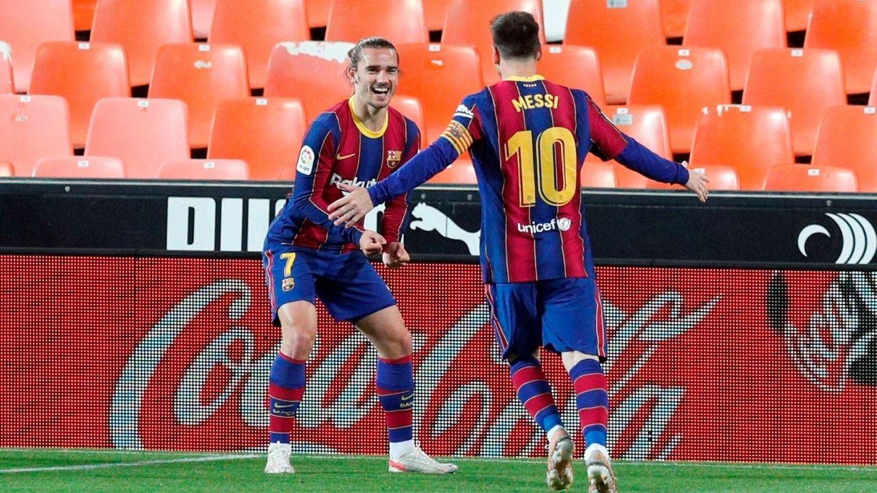 Barcelona, de la mano de Messi y Griezmann, tumba a un duro Valencia y sigue en la pelea
