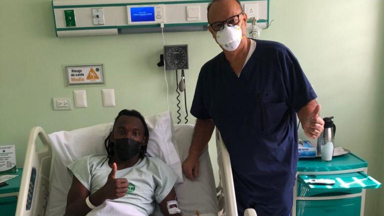 Alberth Elis visitó el quirófano y su participación en el inicio de las eliminatorias está en duda