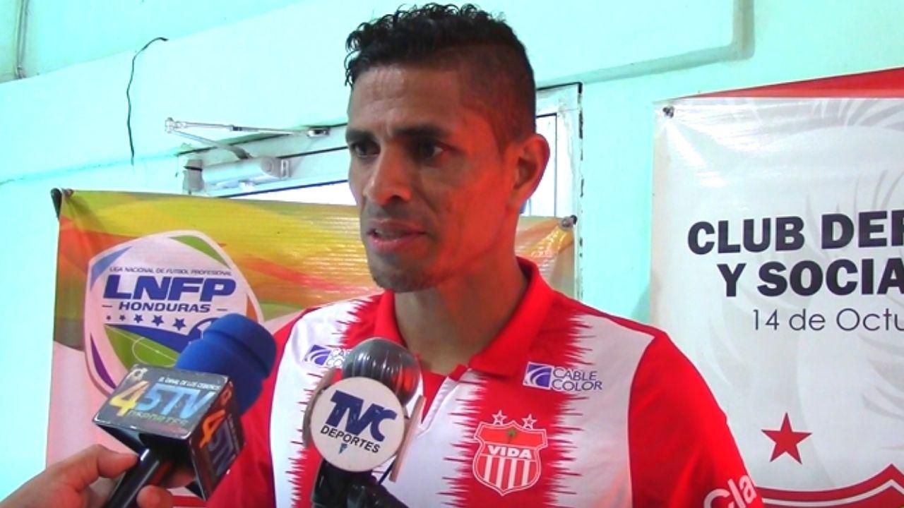 Juan Pablo Montes cree que el Vida es un nuevo comienzo para él y revela que tuvo más ofertas