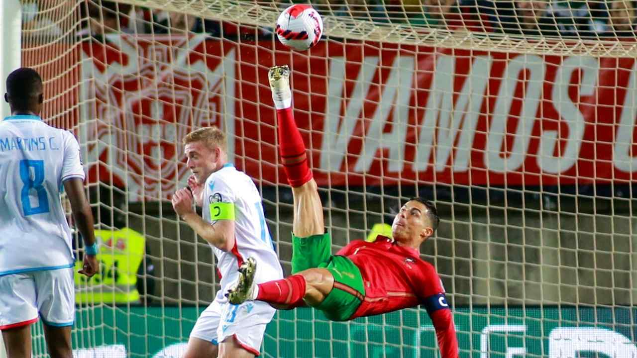 ¡Intratable! Cristiano guía a Portugal con un triplete de goles