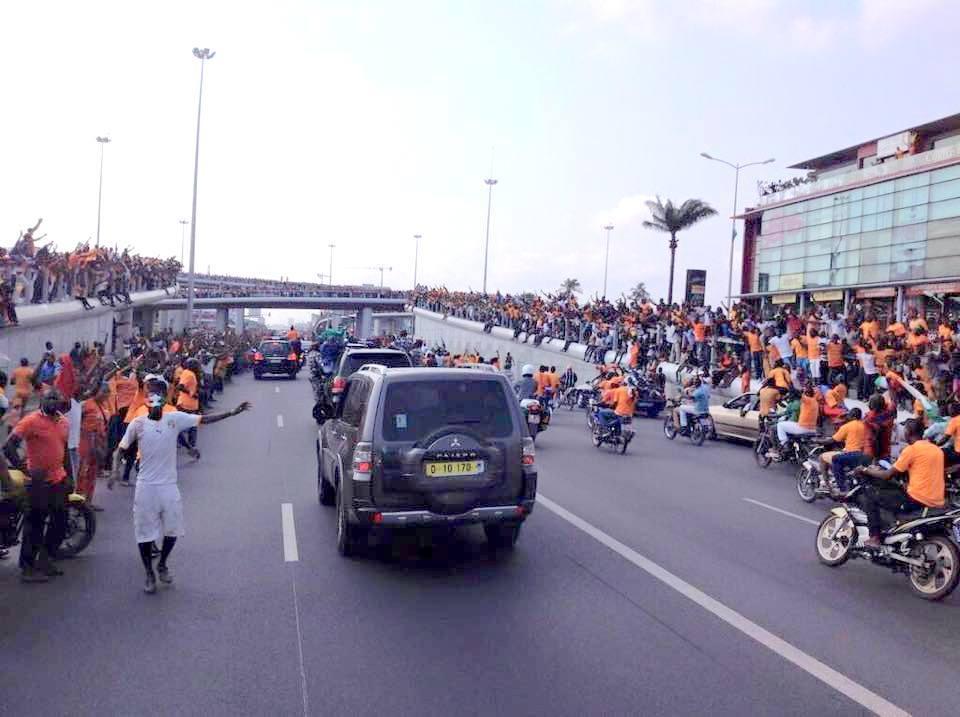 Retour des ivoiriens après leur victoire à la CAN 2015 par Singoloua225 - Wikimédia Commons CC BY-SA 4.0