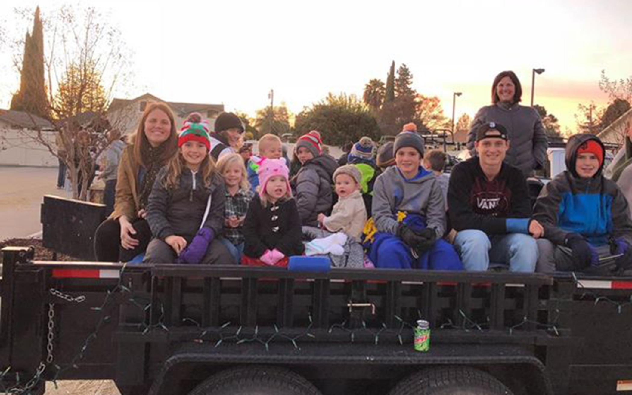 Caroling Hayride Brings Cheer to California Community