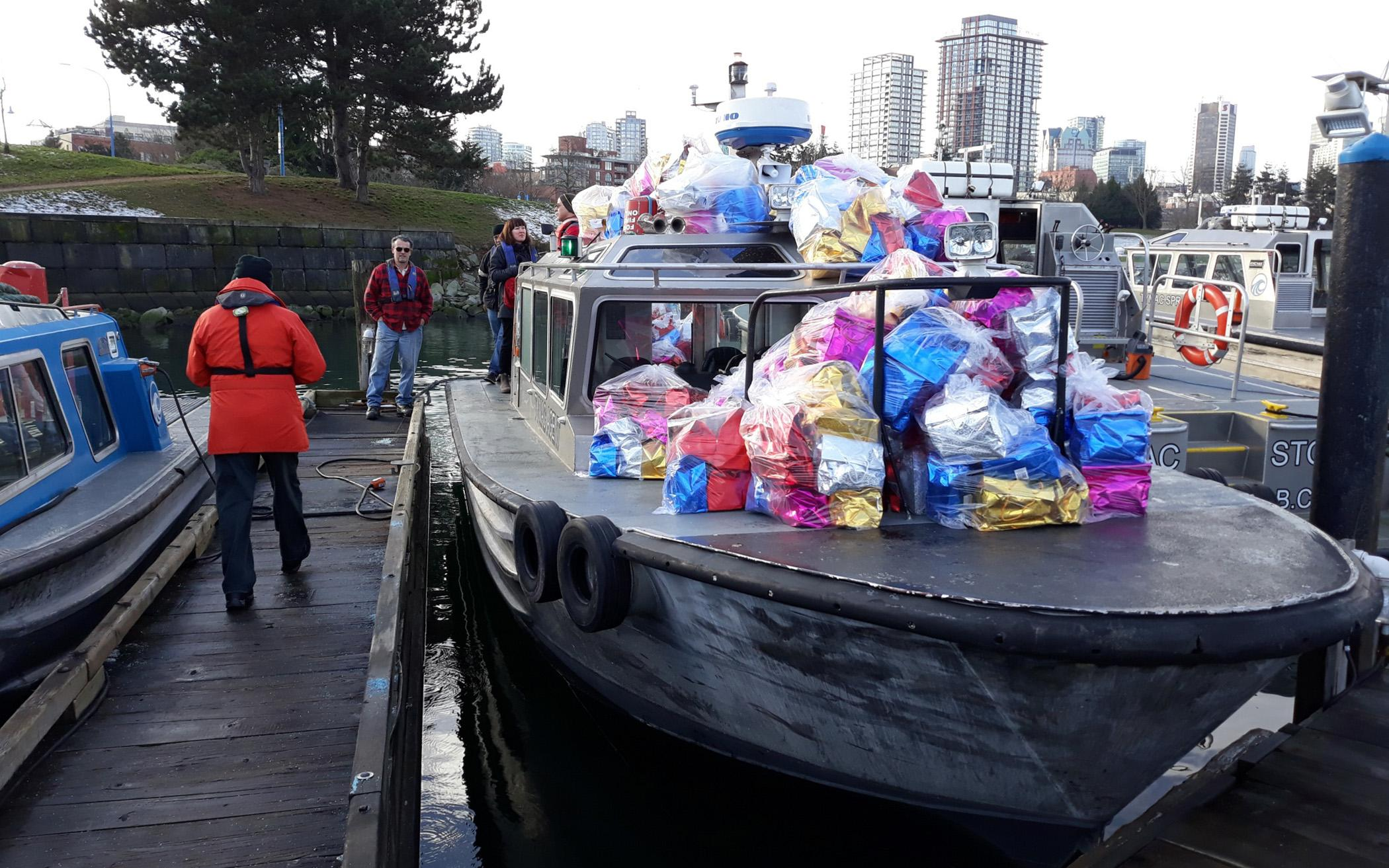 Chaplains Deliver Christmas Comfort to Sailors in Port