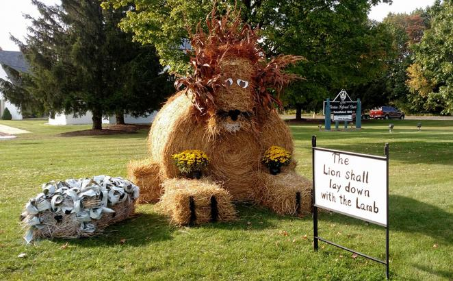 Michigan Church Pitches In with Hay Art for Town's Harvest Days