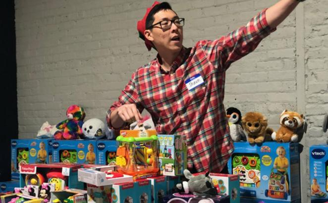 Chicago Ministry Offers Christmas Gift Shop for Families in Need
