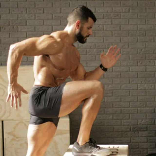 How to do: Right 90 Degree Power Step Up With Kettlebell Curl - Step 1